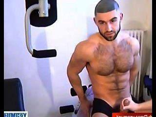 Rapaz arabe quente em linha reta para homens gays