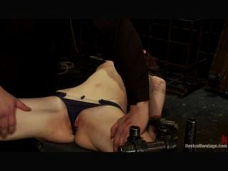 Jay taylor em bondage de dispositivo 1