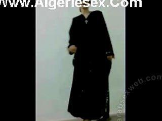 Dança de strip iraquiano em lingerie sexy