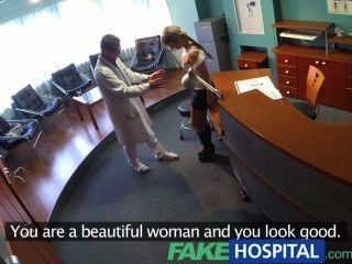 A senhora do fakehospital suga o galo para conservar em contas médicas
