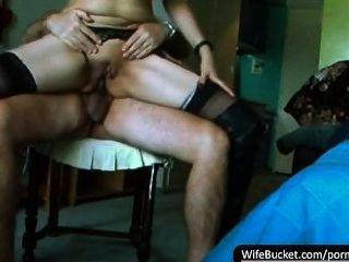 Compilação de vídeos caseiros de sexo de esposas sujas