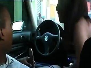 Sexo no carro em público quente