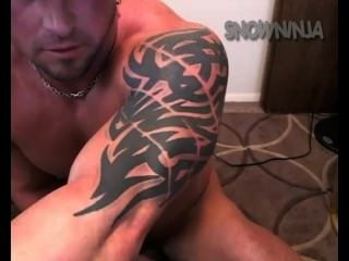 Straight bodybuilder vibrador verbal cum