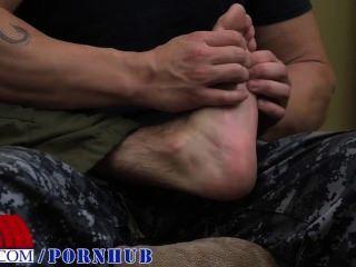 Foot rub leva à merda