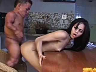 Namorada horny anão shagging asiático