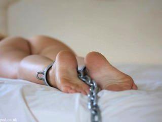 Pés acorrentados