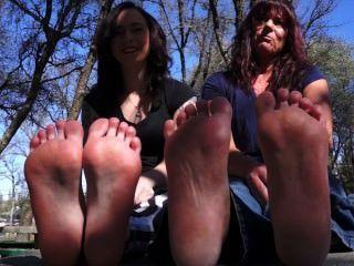 Mãe, filha, mostrar, pés