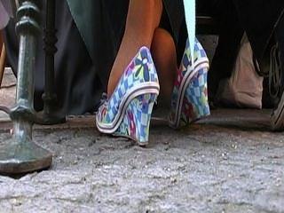 Coed hosed pés atividades de uma senhora madura