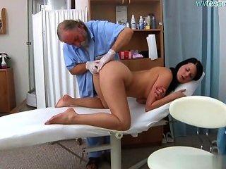 Garota molhada sexo extremo