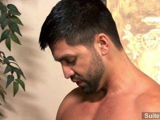 Apaixonado morena gay dominic pacifico dá cabeça e fica fodido duro
