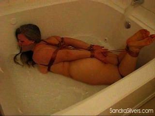 Perigo na banheira