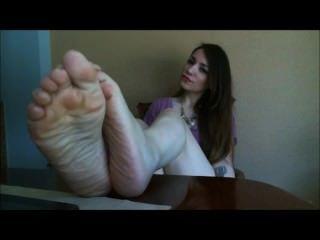 Toe curling soles
