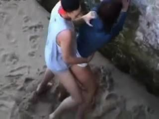 Espionagem em uma praia nudista