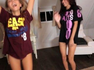 Modelos adolescentes sexy fazendo e dançando