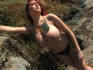 Tessa fowler: ouro em topless