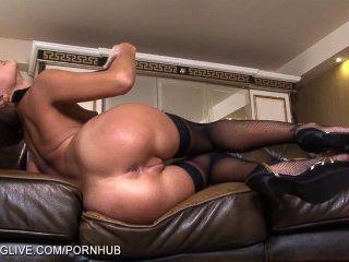 Russa beleza maria melena brincando com seu pussy em meia-calça