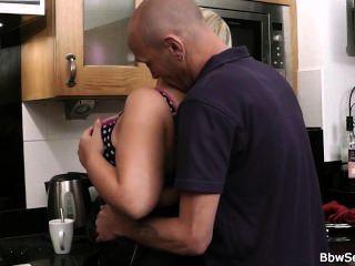 Marido, armado, batota, cozinha
