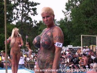 Desfile nude