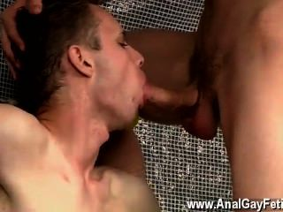 Amazing gay scene feeding aiden a 9 polegadas galo