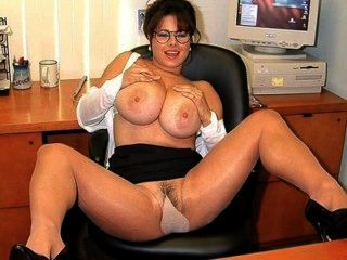 Sexy secretária chloe vevrier 2
