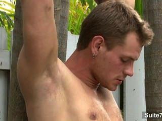 Lustful gay obtém pregado ao ar livre