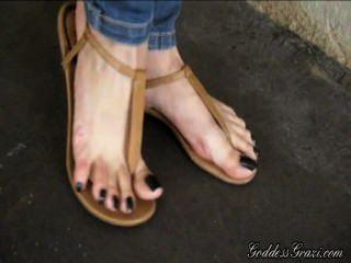 Sandálias de pés