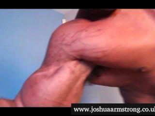 Hipnotizado por um único bíceps