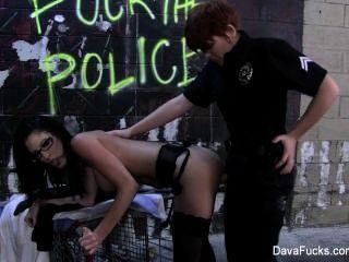 Dava foxx fodido por uma mulher policial