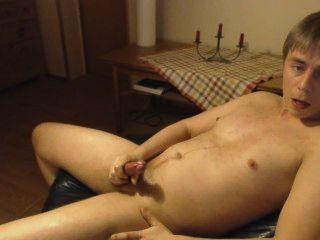 Masturbando e gemendo com orgasmo alto.intenso!