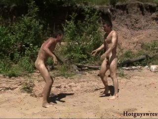 Meninos bech wrestling nude