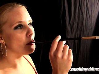 Anjo que fuma o solo 3