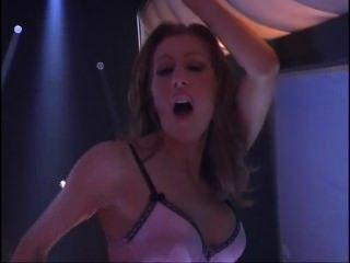 Sensual lésbica hotties fodendo no palco