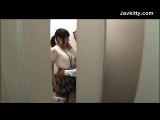 Menina de escritório em tokyo suga galo