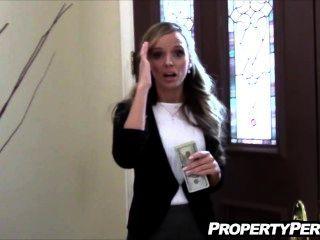 Agente imobiliário fucks perverter cliente para ajudar a vender casa caseiro vídeo