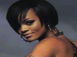 Rihanna disrobed em hd!