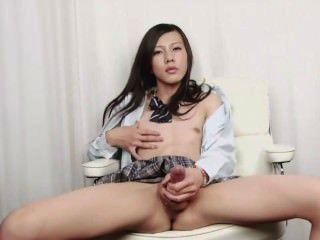 Japonês shemale tiro sperm