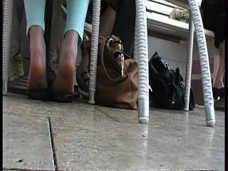 |Teenager|jovem|mergulhando|flats|bailarinas|solas enrugadas|calcanhar do dedo do pé|calcanhar do dedo do pé|calçados engraçados do sapato|pés|solas|calcanhares|dedos do pé|solas suadas|pés smelly|solas sujas|Rrr|amador|legal age adolescente|pés|Rrr|