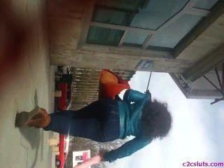 Espião quente ass adolescentes na rua romanian
