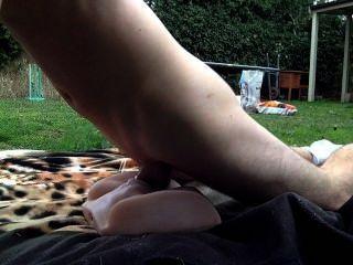 Sexo ao ar livre com meu brinquedo incrível