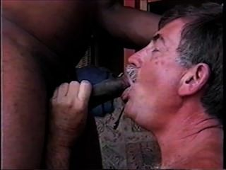 Mikeysucksit vídeo completo de chupar meu primeiro galo preto e tendo o cum