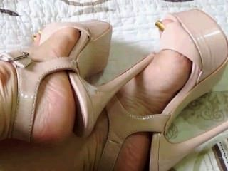 Sexy latina hot toenails longo 2