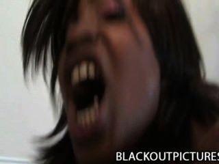 Caramelo torção noisy preto cadela perfurado por gordo preto galo