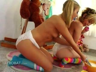 Jogos exclusivos lesb com fraldas
