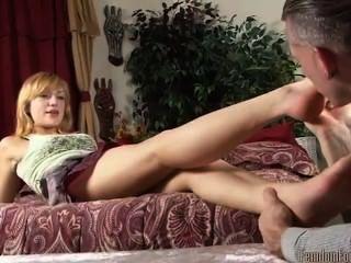 Adorável pé loira