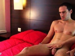 Benoît, um cara reto real em seu vídeo pornô 1srt obter wanked seu enorme galo