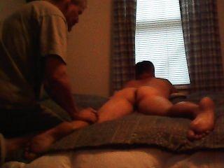 Câmera escondida massagem