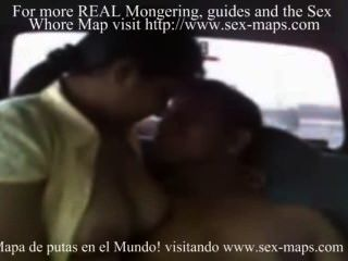 Cogitando puta peruana en un taxi