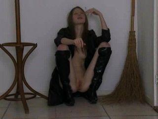 Comer bruxa em botas altas preto