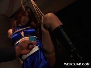 Slutty grávida asiática babe em cordas obtém snatch provocada
