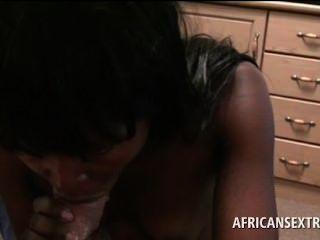 Afro teen tramp soprando white dick gets twat fingered